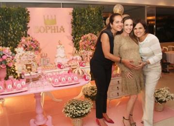 Cassia Linhares ,Flavia Monteiro e Marcela Muniz